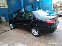 Vendo este carro Siena preto