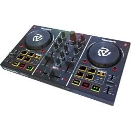 Controladora Numark Party Mix - 12X Sem Juros