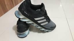 Tênis Adidas original masculino novo