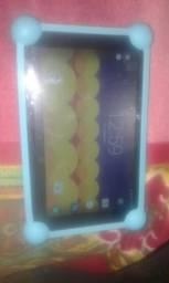 Vendo esse tablet pra criança não pega chip somente wif