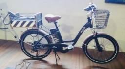 Bicicleta elétrica da conceituada marca Lev, Design Retrô