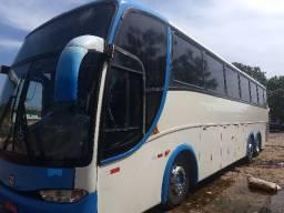 Ônibus muito bem conservado - 2000