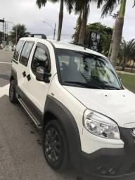 Fiat Doblo 2017 Adventure Locker 1.8 Flex/GNV Completa - 2017