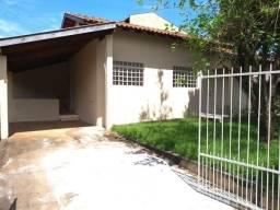 Casa com 3 quartos - Bairro Conjunto Habitacional Henrique Alves Pereira em Ibiporã