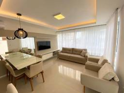 Apartamento três dormitórios decorado com terraço