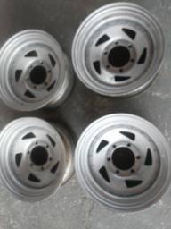Rodas de ferro ARO 15 Troller
