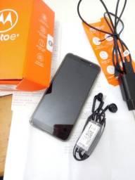 Moto E6 PLAY novo um mês e meio de uso com todos os acessório