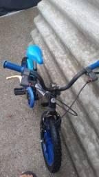 Bicicleta menino aro 16, usada em bom estado