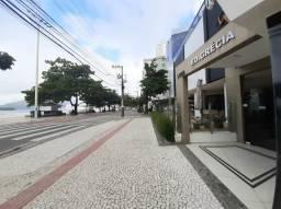 REF:5146 Apto Semi Mobiliado no Centro de Balneário Camboriú