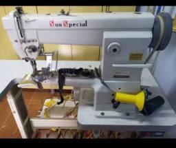 Máquina de costura de braço fechadeira