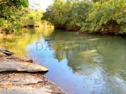 Chácara com rio para pesca e banho, aceita carro!