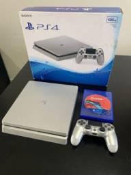 PlayStation 4 slim / 500gb / 3 jogos