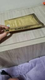 Livro o rei de amarelo
