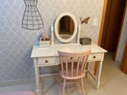 Penteadeira+ espelho+ cadeira Tokstok