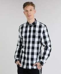 Camisa xadrez preta e branca