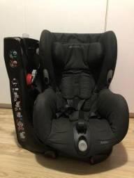 Cadeira para carro giratória bébéconfort Axiss usada com manual