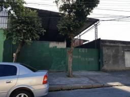 Vendo Galpão de 400m² a 300 metros da Av Brasil