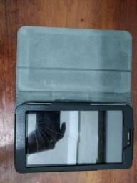Tablet Samsung Google Tab3, com capinha, quebrado somente a tela