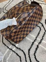 Necessaire Louis Vuitton
