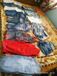 Lote de calça e shorts