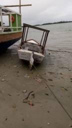Barco pequeno de 6 metros com motor siquentinha ...