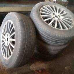 Aro 17 com pneus meia vida