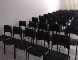 Cadeiras iso polipropileno novas na cor preta