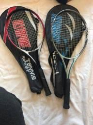 2 raquetes de tênis com capa