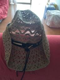 Vendo 2 chapéu de passeio lindo