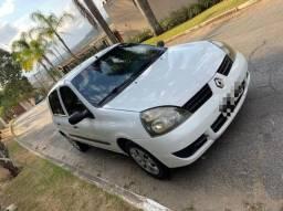 Renault Clio 1.0 Flex Em perfeito estado
