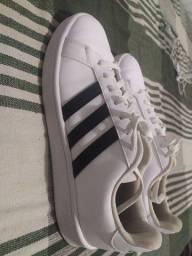 Sapato Adidas R$150