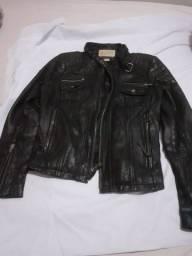 Jaqueta feminina usada  de couro tamanho gg
