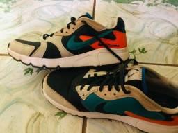 Vende se Nike Atsuma original