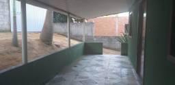 _Alugo casa em Tubarão com quintal - Casa pequena