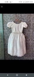 Vestido branco infantil branco pra criança de 04 á 06 anos.