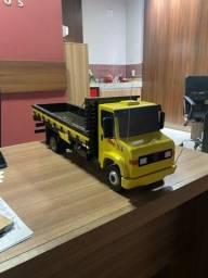 Caminhão 914 miniatura NOVO