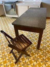 Mesa granito e base madeira de lei e 6 cadeiras