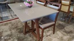 Título do anúncio: Mesa de madeira e acabamento laka luxo 4 lugares