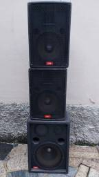 Caixas passivas 300w + DBK 720 + Mesa MXS10