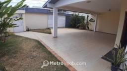 Casa de Conjunto com 5 quartos à venda, 410 m² por R$ 1.150.000,00 - Calhau - MN