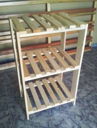 Estantes prateleiras armários e suportes multiuso