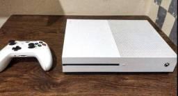 Xbox one s. Obs: troco por camera canon