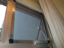 faço e instalo telas mosquiteiras
