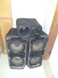 2 csixa da sony e um box com corneta e thwiter