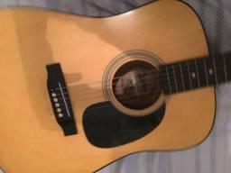 Vendo violão marca Lauren, com bastante detalhes