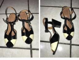 Sandálias a vender