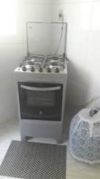 Vendo um fogao e uma geladeira