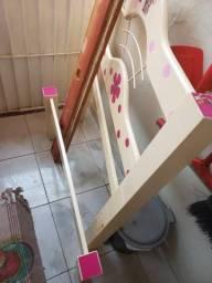 Cama de solteiro usada sem colchão