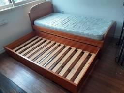 Cama de solteiro com cama auxiliar