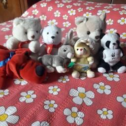 Kit com 7 Ursinhos de Pelúcia.